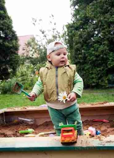 Как сделать детскую песочницу